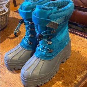 LandsEnd girls snow boots
